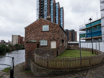 由运河的之家 免版税库存照片