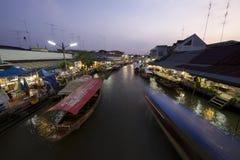 由运河的生活 图库摄影