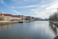 由运河的Vanersborg市 免版税库存图片