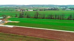 由门诺派中的严紧派的农田的火车轨道如看见由寄生虫 影视素材