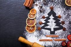 由面粉做的圣诞树 免版税库存照片