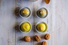 由面粉和白薯做的一个现代泰国微型豆蛋糕 关闭视图 图库摄影
