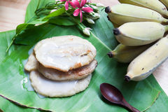 由香蕉做的泰国传统甜点 免版税库存照片