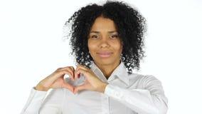 由黑人妇女的心脏标志 股票视频
