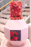 由维克托&罗尔夫开花炸弹在著名梅西百货公司每年花展期间在梅西百货公司先驱广场 免版税库存照片