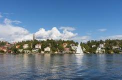 由水的斯德哥尔摩:Nockeby 库存图片