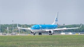 由KLM荷兰皇家航空公司的波音737在逃亡 图库摄影