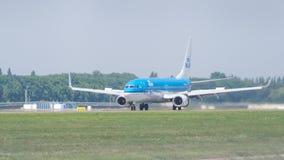 由KLM荷兰皇家航空公司的波音737在逃亡 免版税库存照片