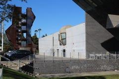 由Samitaur修建的Samitaur塔和什么墙壁?由埃里克欧文青苔在洛杉矶 免版税库存图片