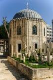 由Sehzade清真寺,伊斯坦布尔,土耳其的回教公墓 库存图片