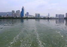 由yundang湖的蓝色电视台 免版税库存照片