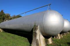甲烷气存贮的大坦克在一个工业区 免版税图库摄影