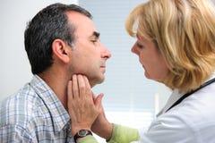 甲状腺作用考试 库存照片