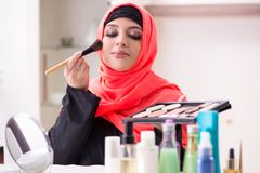 申请构成的hijab的美女 图库摄影