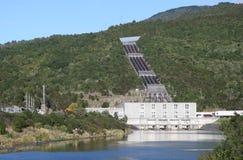 电与氢结合的发电站 免版税库存照片