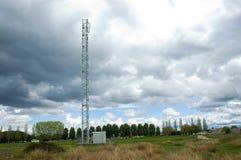 电信塔。 免版税图库摄影