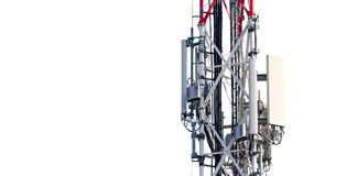 电信有发射机的塔天线在白色背景部分地隔绝的金属杆 免版税库存照片