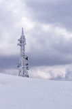 电信耸立在一座山顶部在弗洛里纳,希腊,在冬天 库存照片