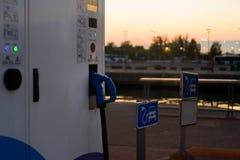 电充电站在爱沙尼亚 免版税库存图片