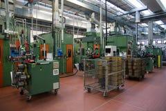 电动元件的自动化工厂植物 图库摄影