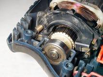 电动机特写镜头,被拆卸的机械钻 免版税库存照片