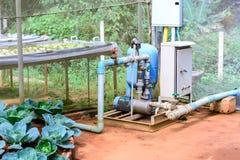 电动机水栽法种植园系统的水泵 免版税库存图片