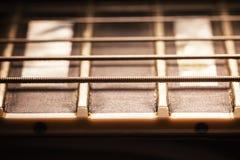 电吉他脖子苦恼和串 免版税库存图片