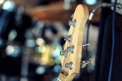 电吉他和经典放大器背景 免版税库存照片