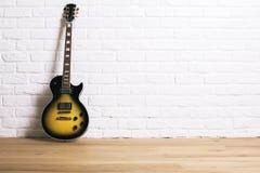 电吉他在演播室 库存图片