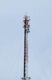 电和通信线路许多导线  免版税库存照片