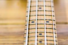电子低音吉他指板特写镜头  库存图片