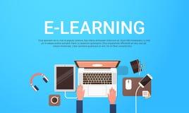 电子教学教育网上横幅有学生便携式计算机工作场所与拷贝空间的顶视图背景 向量例证
