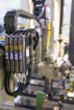 电子气动阀和压力表,自动化工程学 免版税库存图片