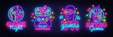 电子游戏商标汇集霓虹灯广告传染媒介设计模板 概念性Vr比赛,在霓虹样式的减速火箭的比赛夜商标 皇族释放例证