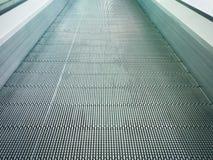 电子系统移动或现代自动扶梯在购物中心 库存图片