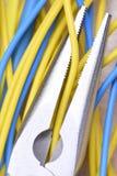 电子钳子和缆绳 库存照片