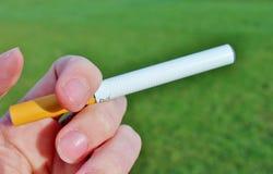 电子香烟电池操作的蒸气ecigarettes 免版税库存照片
