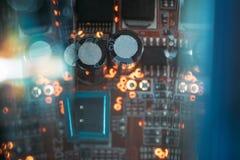 电容器微集成电路印刷品电路板创新 库存照片