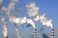 电工厂烟囱 免版税库存图片