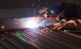电弧焊接和焊接发烟 库存图片