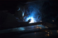 电弧焊接 免版税库存图片