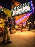 电影戏院大门罩标志变动 免版税图库摄影