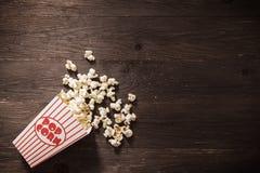 电影放映时间玉米花 免版税图库摄影