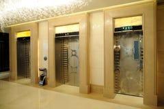 电梯入口 免版税库存照片