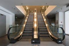 电梯在商业中心 免版税图库摄影