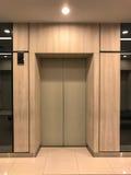 电梯的门 免版税库存图片