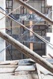 电梯门,推力里面建设中建筑工地 免版税图库摄影