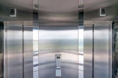 电梯门 免版税库存图片