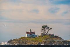 电池在太平洋海岸的点灯塔,在1856年修造 库存图片