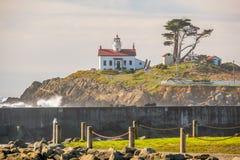 电池在太平洋海岸的点灯塔,在1856年修造 免版税库存照片